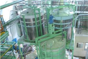第1工場 スクラルファート専用設備 〈PEタンク撹拌装置〉