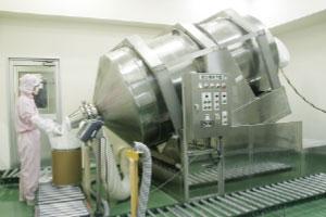 第2工場 スクラルファート専用設備 〈ロッキングミキサー〉
