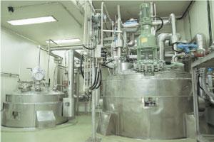 第3工場 晶析缶〈5,000L〉(クリーンルーム内)